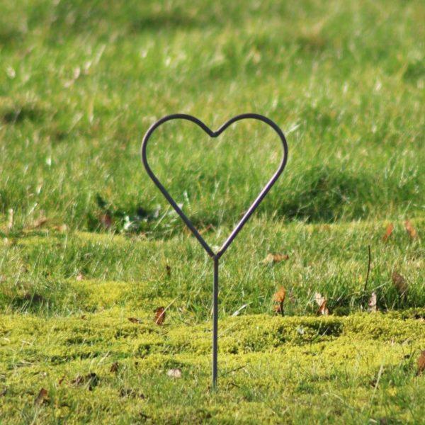 Bryllups hjerte på spyd i jern - L19 x B18 x H50 cm