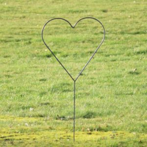 Bryllups hjerte på spyd i jern - L58 x B58 x H128 cm