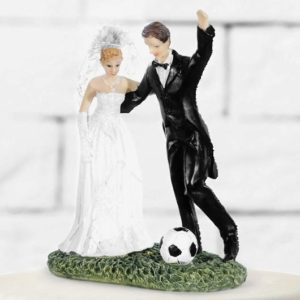 Cake Topper Newly-weds with a soccer ball, 14cm