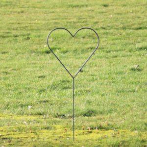 Bryllups hjerte på spyd i jern - L45 x B45 x H113 cm